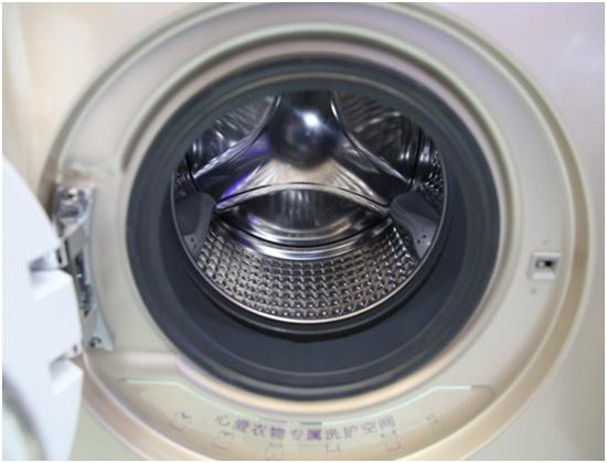 双滚筒洗衣机问世 分类洗涤更胜一筹